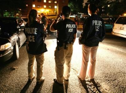 EUA libera a cientos de inmigrantes en Texas
