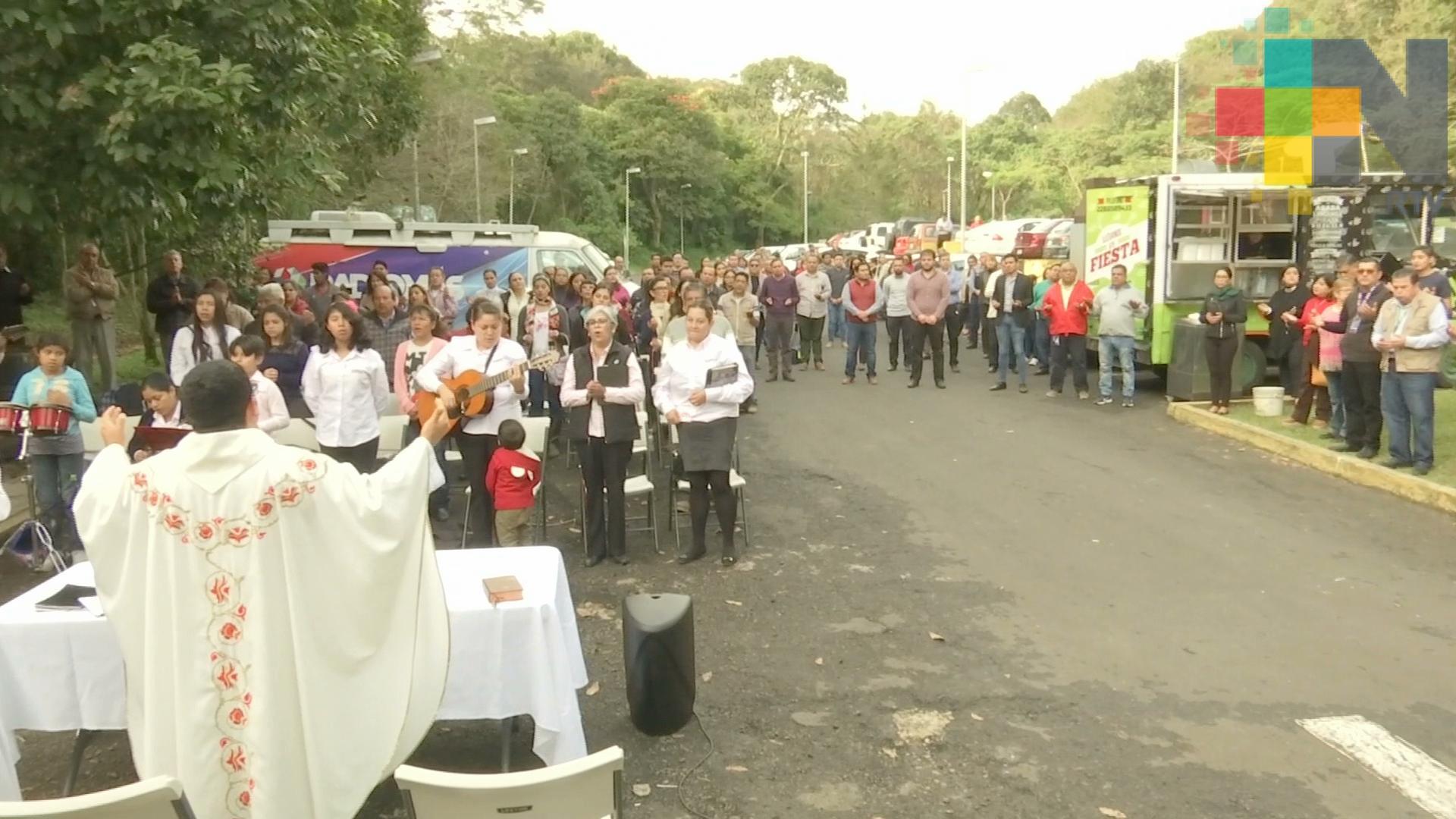 Trabajadores de RTV celebran a la Virgen de Guadalupe, en su día