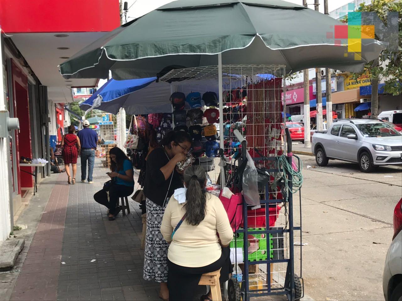 Contingencia por COVID-19, golpea seriamente a vendedores ambulantes en Xalapa