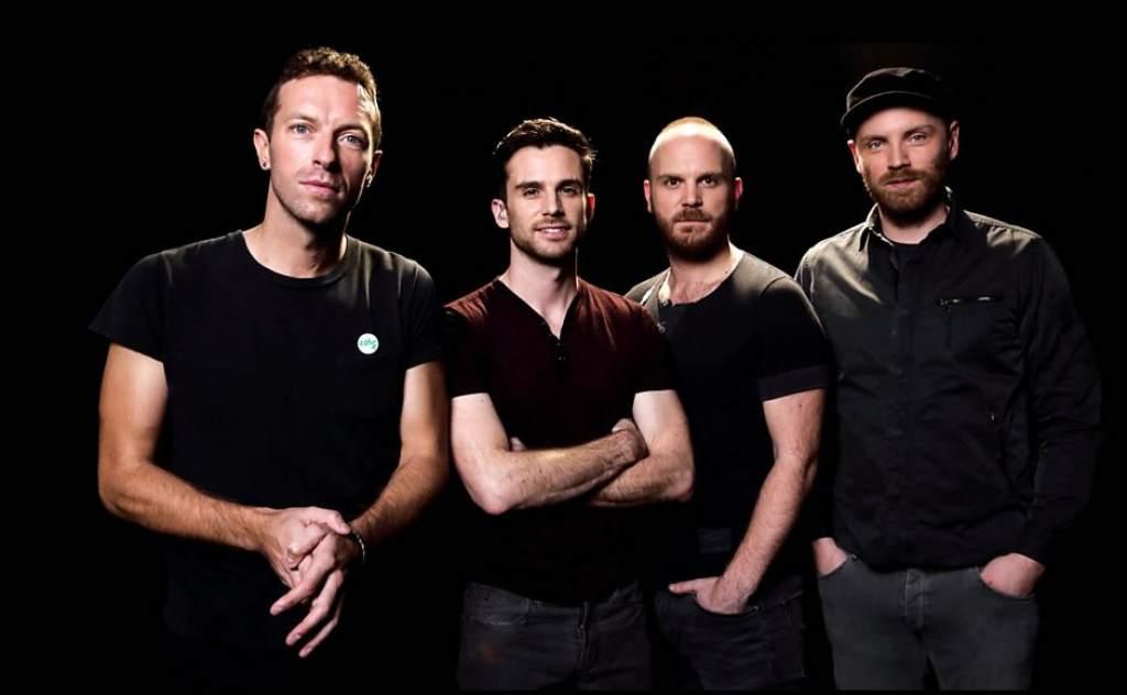 Banda Coldplay lanza álbum en vivo, película del concierto y documental