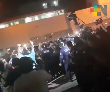 Policias liberan unidad en que iba esposa de gobernador de Tabasco