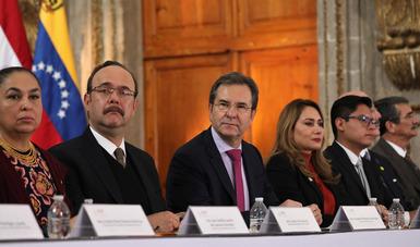 Maestros están de acuerdo con la evaluación, pero diagnóstica, no punitiva: Esteban Moctezuma