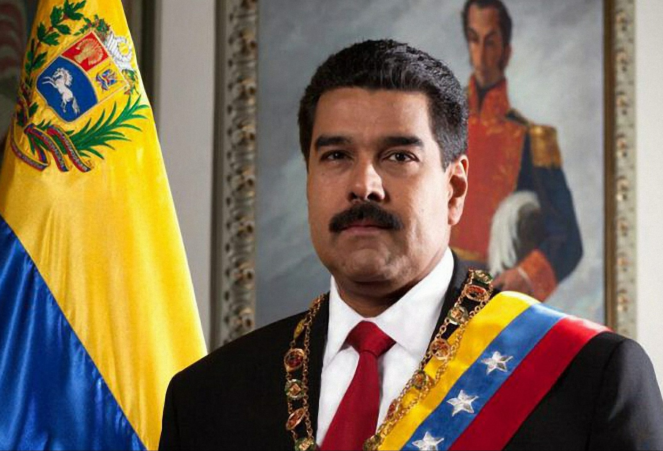 """Es """"show"""" y """"mensaje de humillación"""" la ayuda humanitaria: Maduro"""
