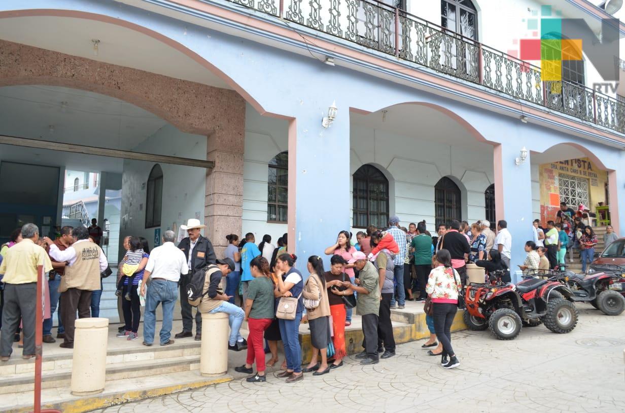 Censan a beneficiarios de programas sociales en Tantoyuca