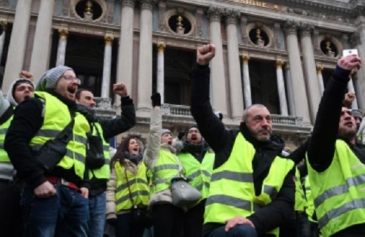 Francia moviliza 80 mil agentes ante protesta de los chalecos amarillos