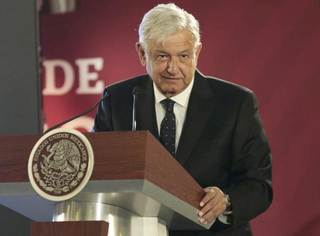 López Obrador garantiza abasto de gasolinas en el país