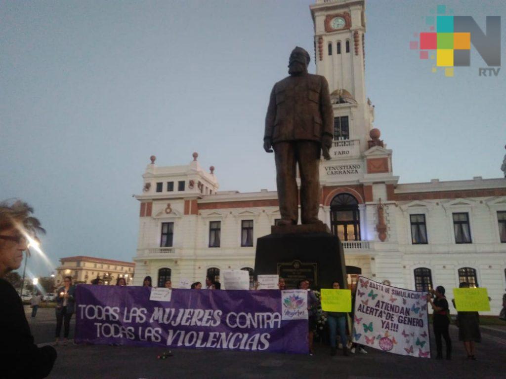 Mujeres protestan contra femicidios en Veracruz