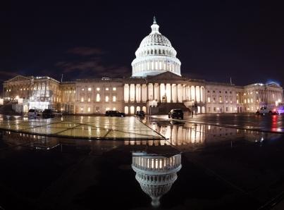Demócratas aprueban paquete para poner fin a cierre de gobierno