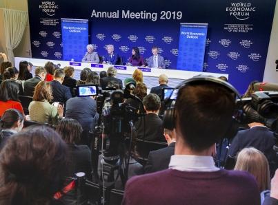 Davos inicia con pesimismo e inquietud sobre economía mundial