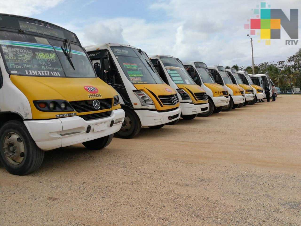 Transportistas de la zona sur se suman al paro estatal de actividades, piden aumento en tarifa