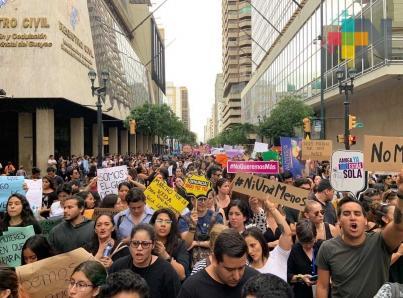 Marchan en Ecuador contra violencia hacia las mujeres