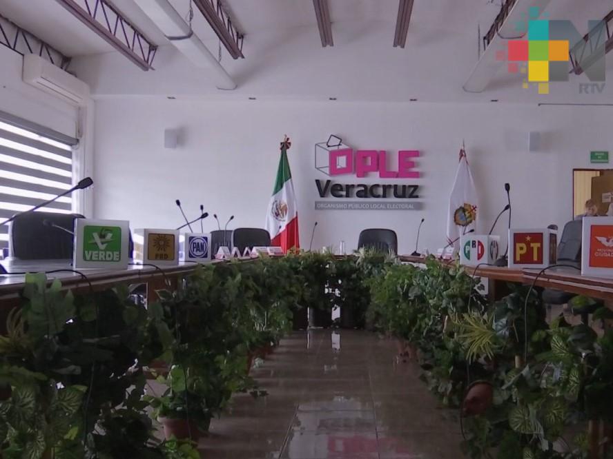 """""""Podemos"""" y """"Fénix"""" solicitan constituirse como partidos políticos en Veracruz"""