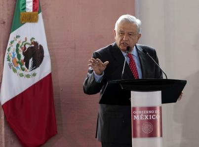 Ni un paso atrás en el combate a corrupción: López Obrador