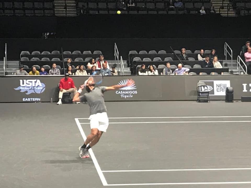 Santy González avanzó en NY Open