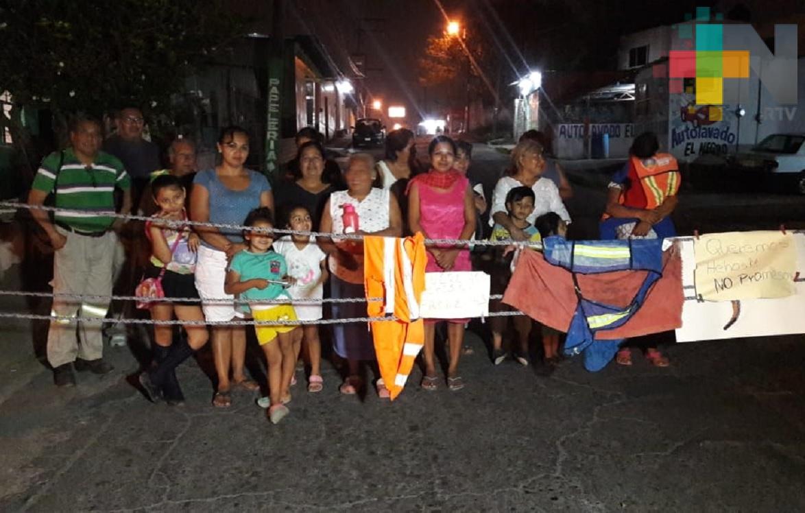 Ciudadanos exigen al ayuntamiento de Veracruz alumbrado público para sus colonias