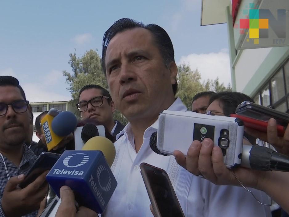 Gobernador de Veracruz pide a fiscal concluya investigaciones sobre feminicidios