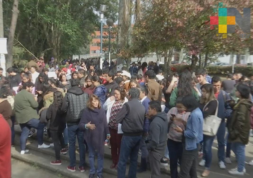 Desalojan a estudiantes y personal de la zona universitaria por sismo