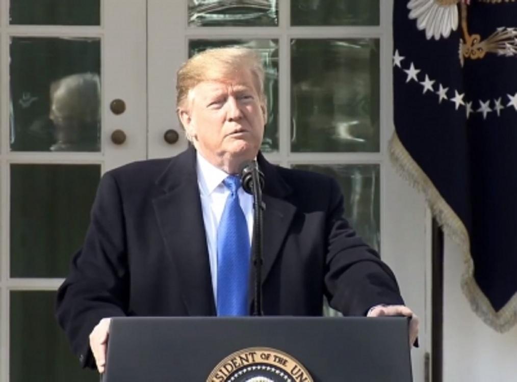 Trump advierte uso de veto si Senado anula declaración de emergencia