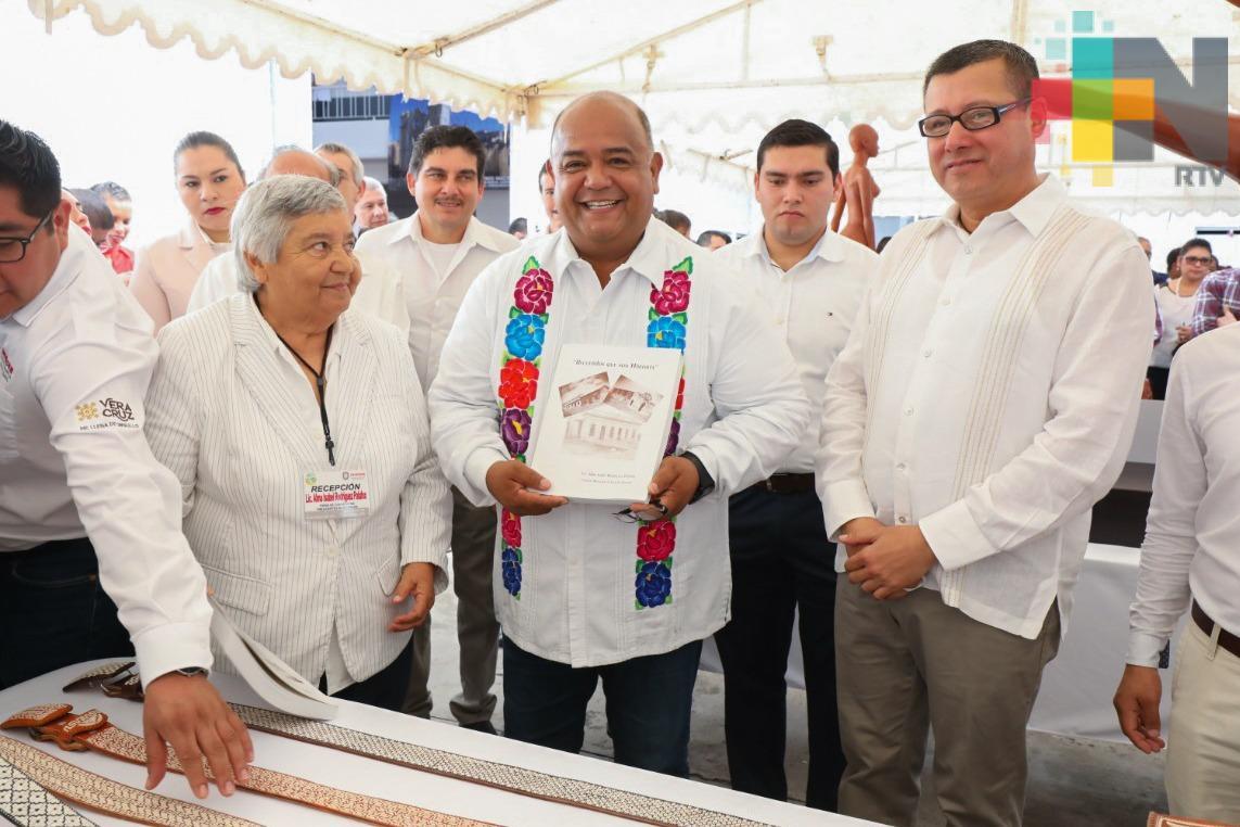 Firman el Convenio Macro Hacia una Nueva Agenda Municipal Veracruzana; Eric Cisneros encabezó el acto