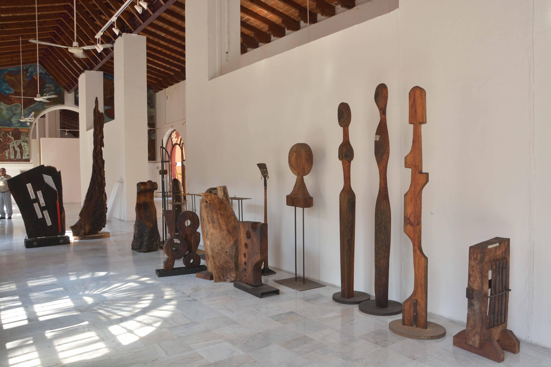 Inauguran Abstracción, exposición escultórica de Moisés Avendaño