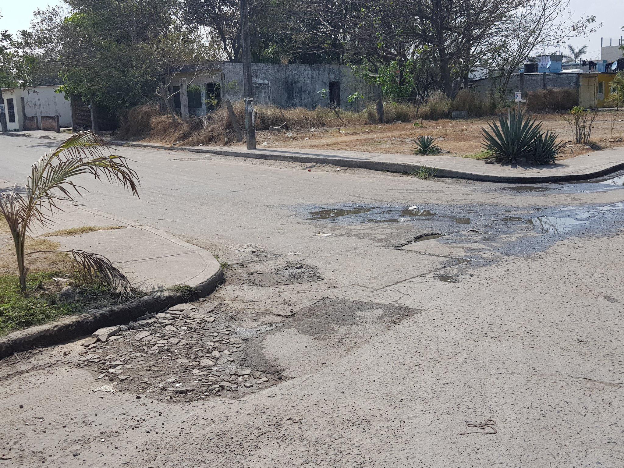 Reportan calles dañadas por Grupo MAS en Veracruz