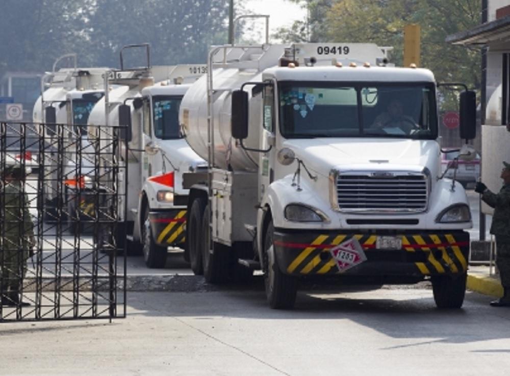 Gobierno Federal ha adquirido 100 pipas para transportar gasolinas