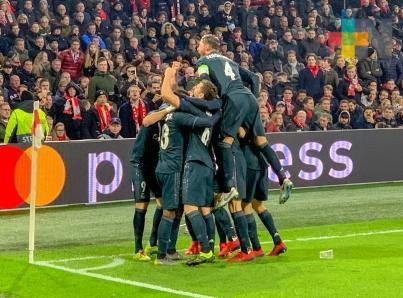 Real Madrid vence al Ajax y encamina su pase a cuartos de Champio