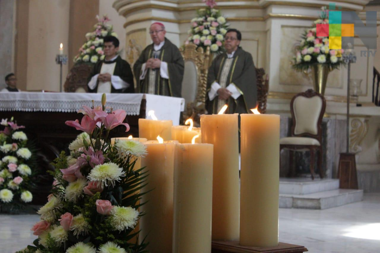Catedral de Veracruz brinda celebraciones fúnebres a través de videollamadas