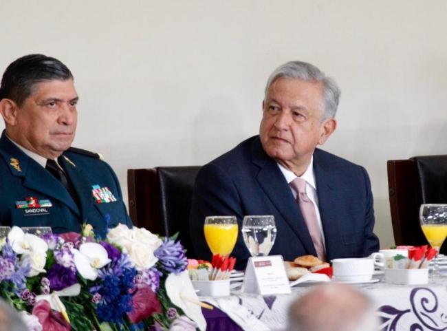 López Obrador encabeza ceremonia por el Día de la Fuerza Aérea Mexicana