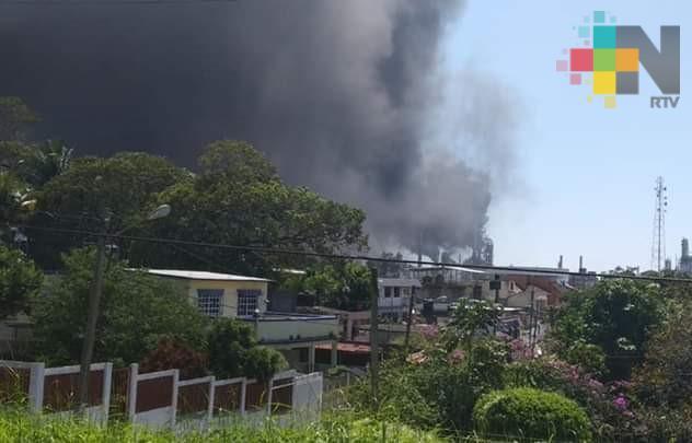 Se reporta incendio en caldera de la refinería Lázaro Cárdenas; no hay lesionados