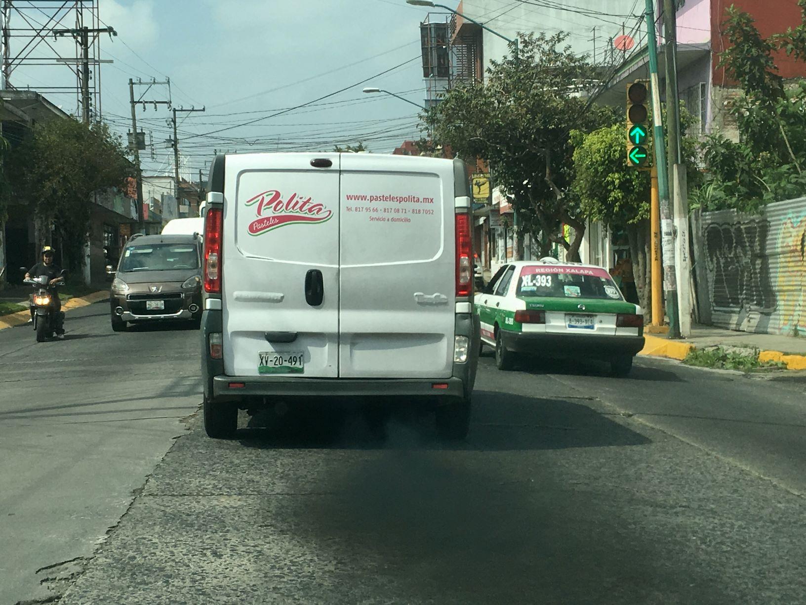 Auto chimenea en centro de Xalapa