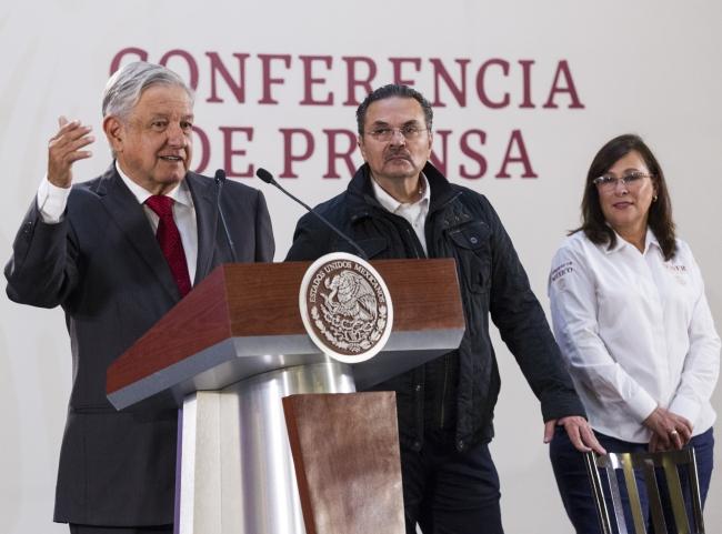 Gobierno respetará contratos con particulares para extraer petróleo: López Obrador