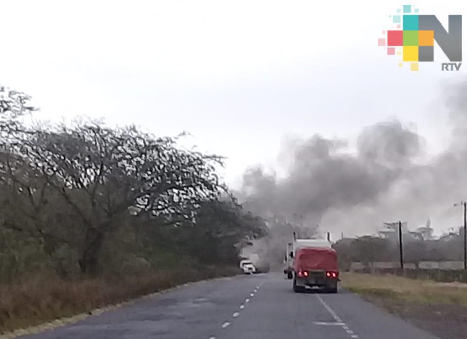 Fuerte operativo en la carretera Córdoba-La Tinaja tras bloqueos e incendio de vehículos