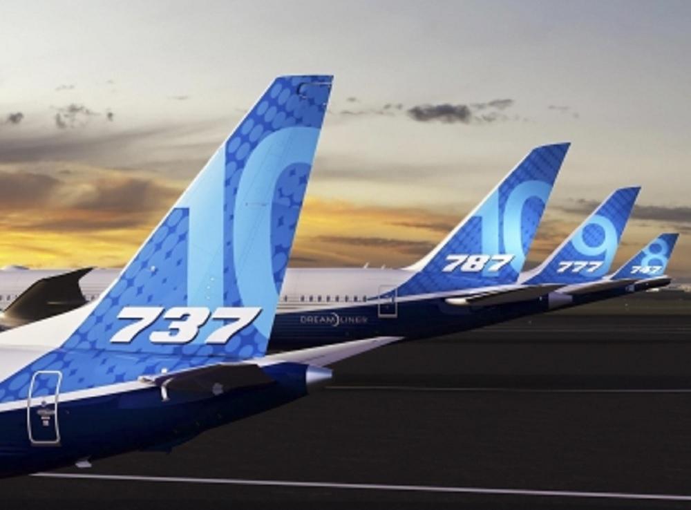 Cede Boeing a presión internacional y aterriza su flota de aviones 737