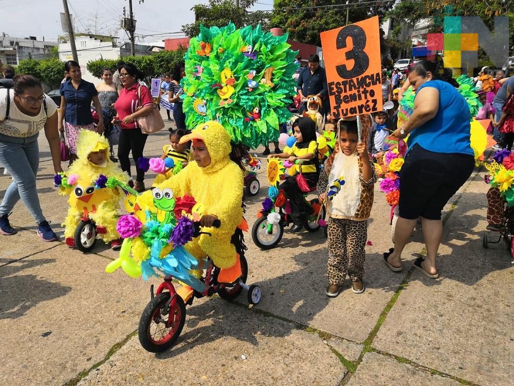 Con desfiles, varios jardines de niños de Coatzacoalcos reciben a la primavera
