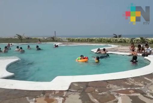 Este fin de semana familias abarrotan Costa Esmeralda