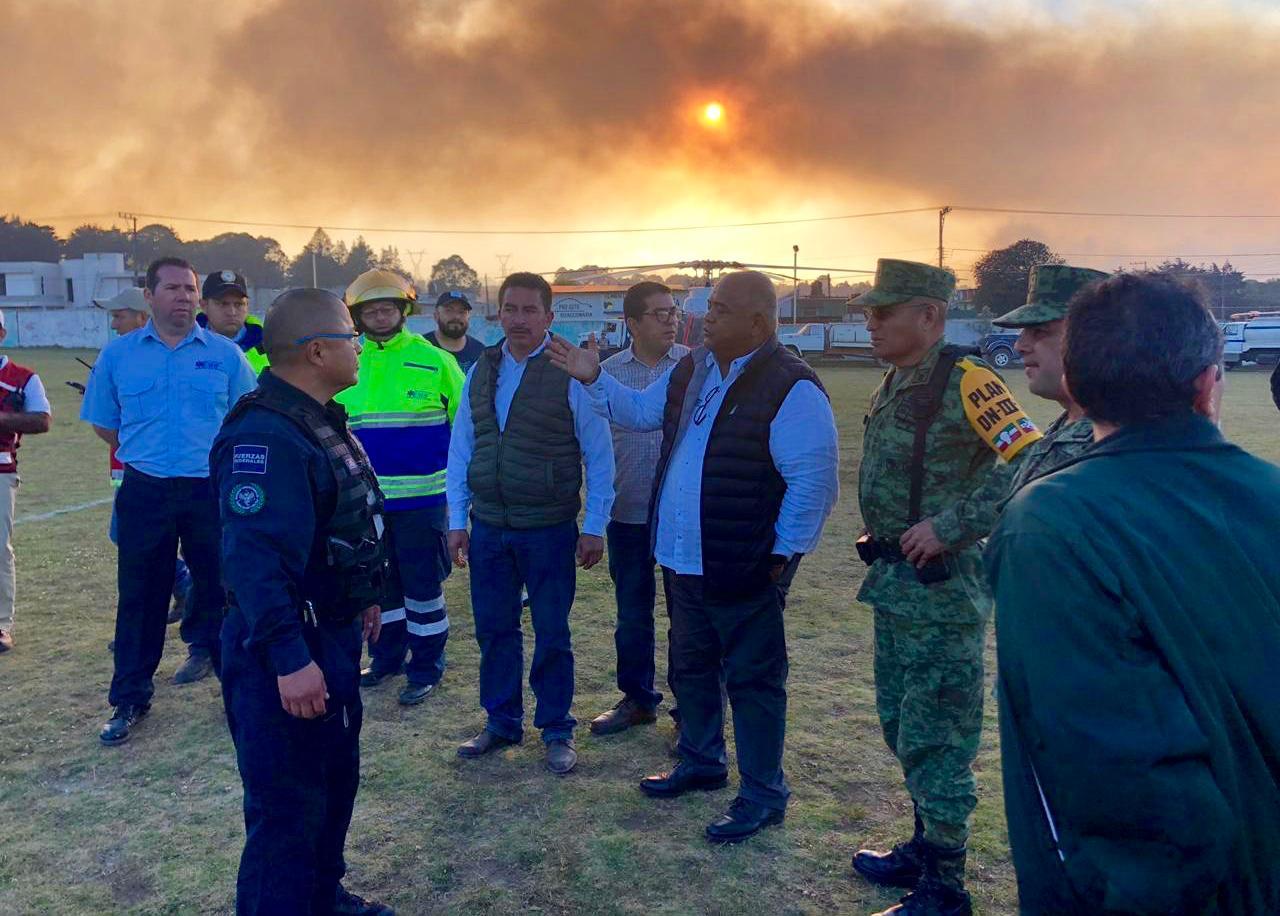 Gobierno de Veracruz en coordinación permanente con dependencias federales, para combatir incendio en Las Vigas