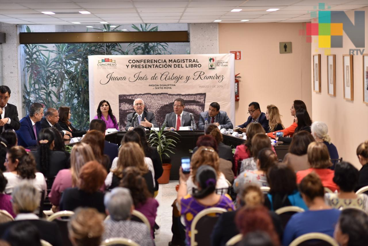 """Presentan el libro """"Juana Inés de Asbaje y Ramírez, pasión disruptiva"""" en el Congreso del Estado"""
