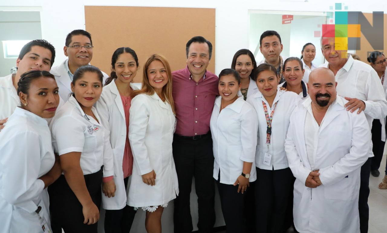 Inaugura Gobernador el Centro de Salud de Ignacio de la Llave