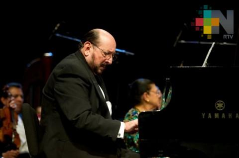 Velada de danzones con Orquesta Popular y pianista Gonzalo Romeu