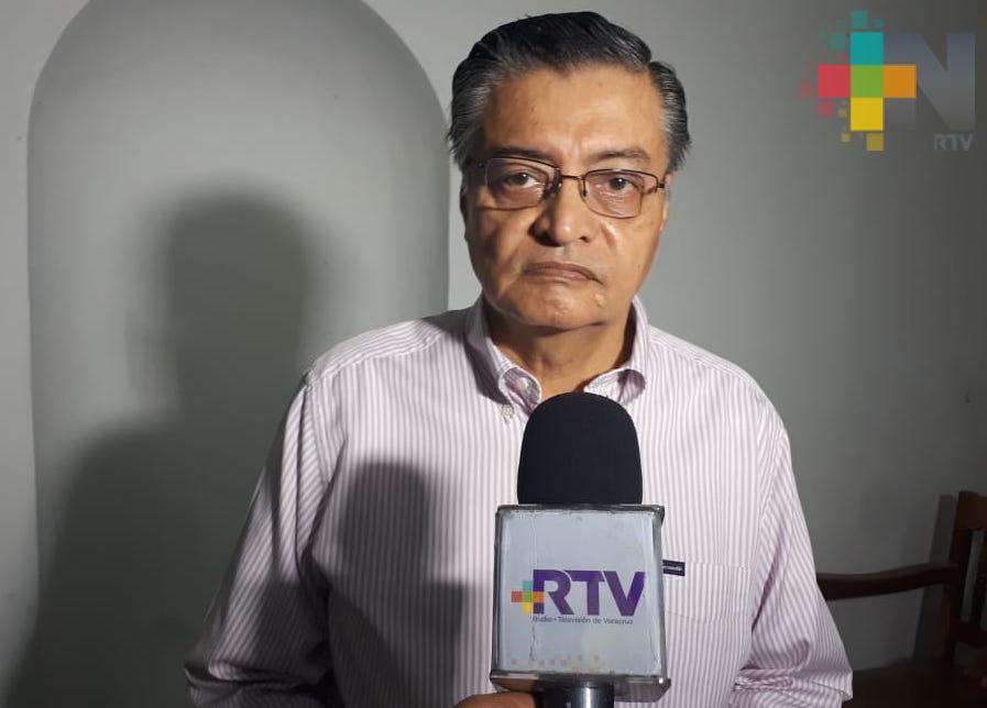 Taxis de Veracruz acatan reducción en número de pasajeros y medidas de sanidad