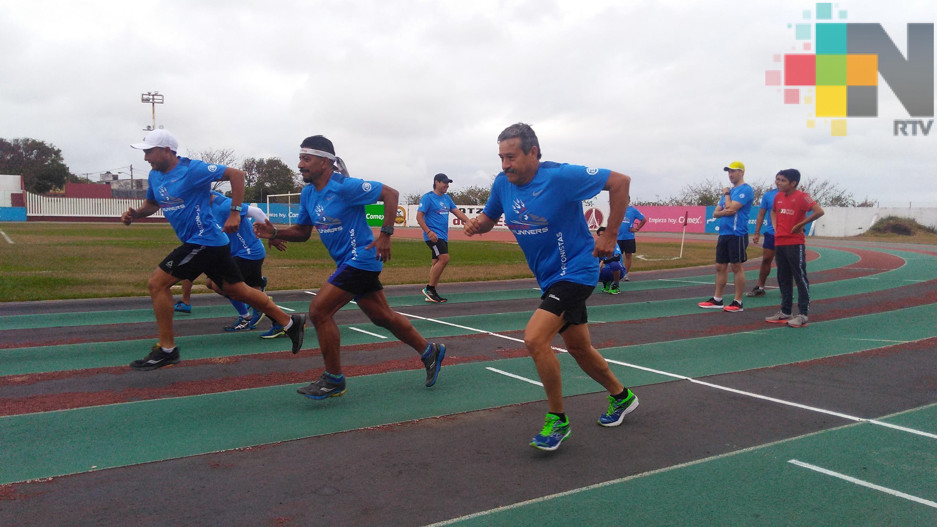 Coatza Runners rumbo a Medio Maratón Izamal Pueblo Mágico