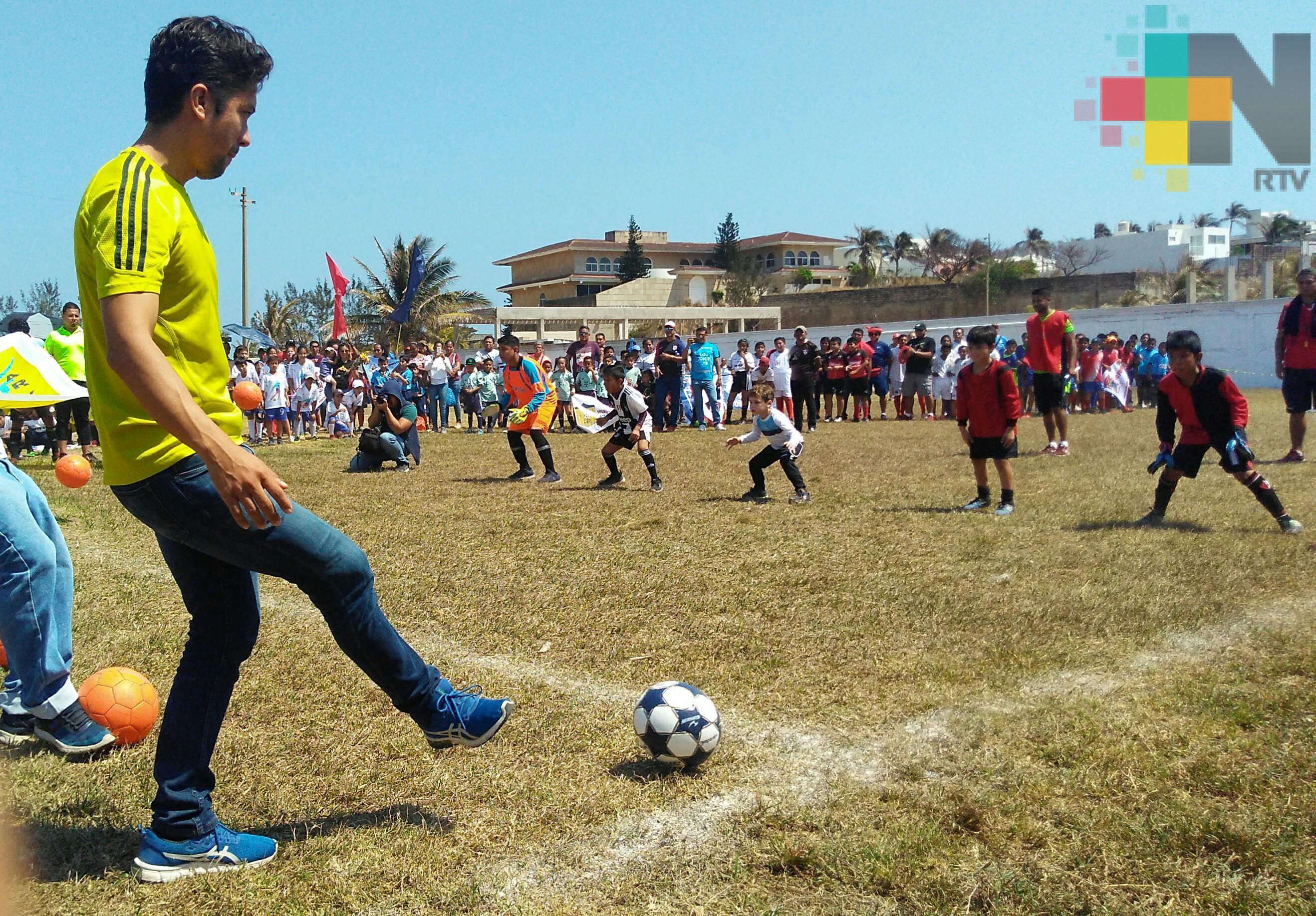 Inició la Liga Menor de Futbol de Coatzacoalcos