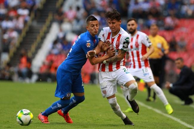 Cruz Azul regresa al triunfo con victoria de 2-1 ante Necaxa