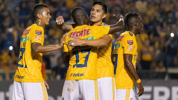 Tigres luce superior y golea 3-0 a los Tuzos del Pachuca