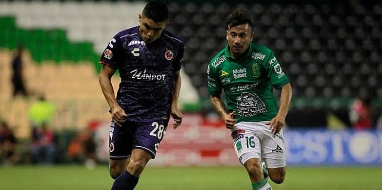 León vence al Veracruz 2-0 y lo desciende