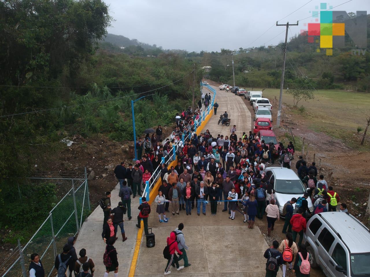 Inauguran calle que da acceso al COBAEV de Tantoyuca
