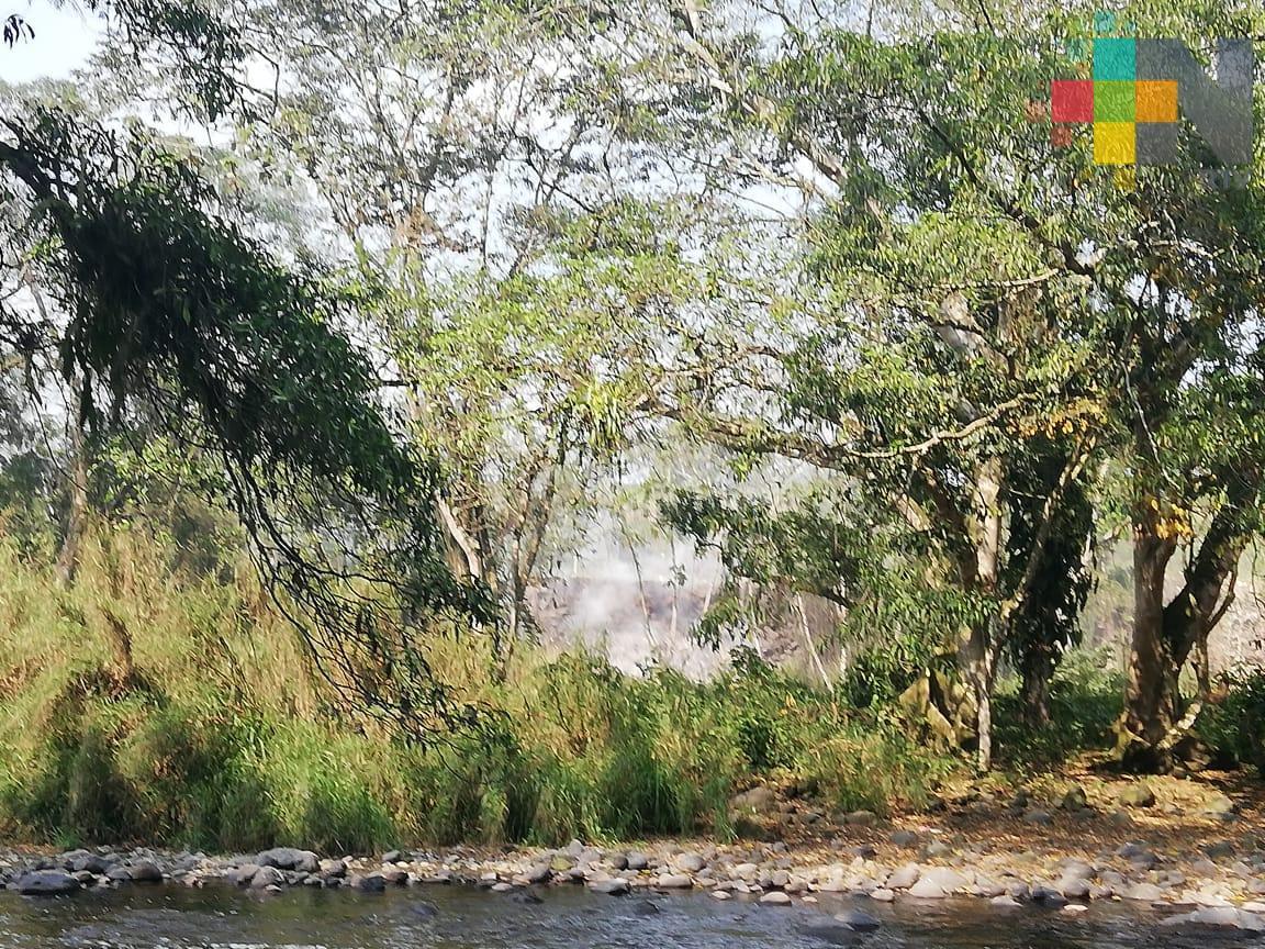 Incendio en basurero clandestino de Cuichapa afecta a pobladores