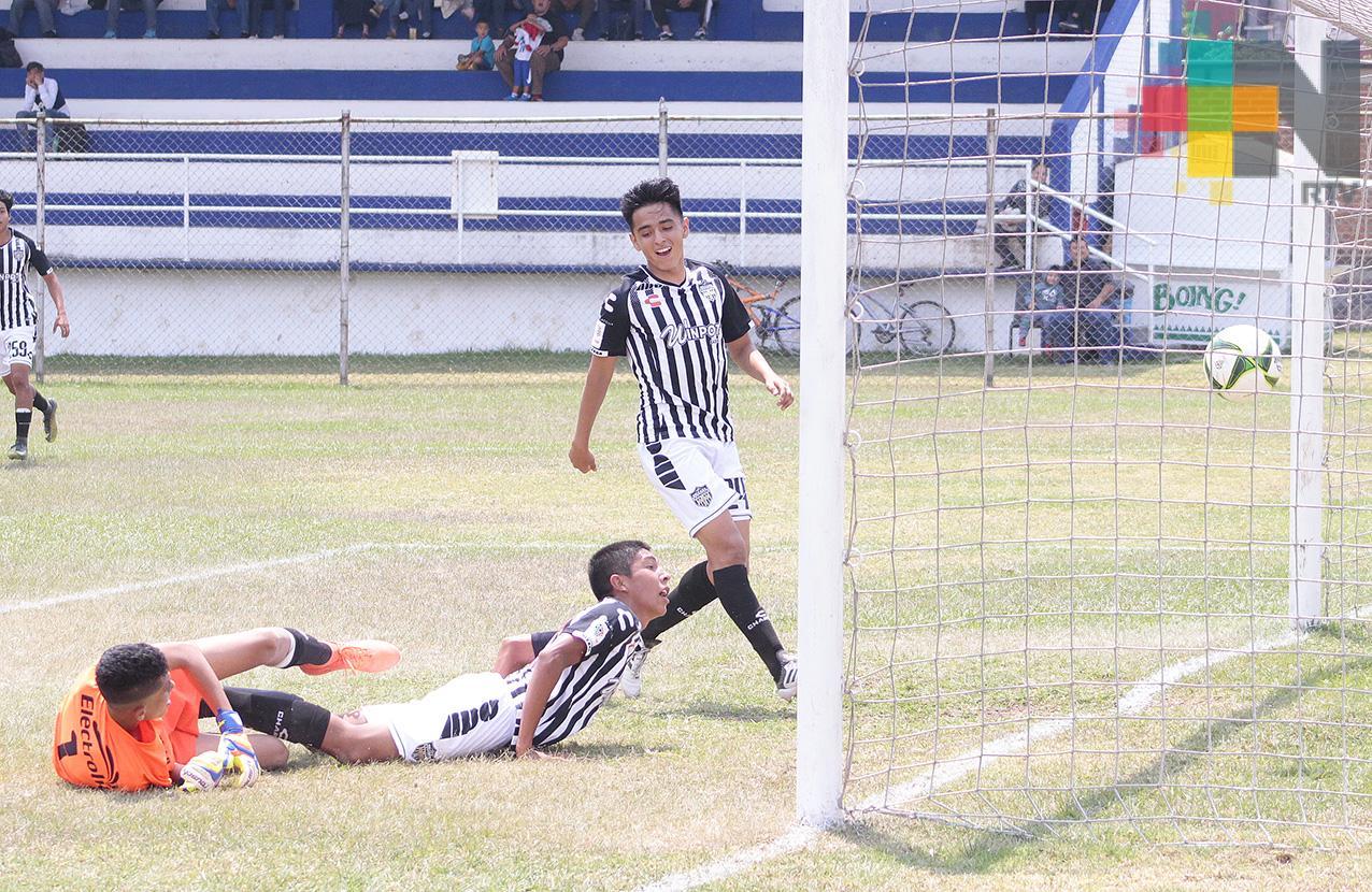 Albinegros suma dos puntos ante Piñeros de Loma Bonita