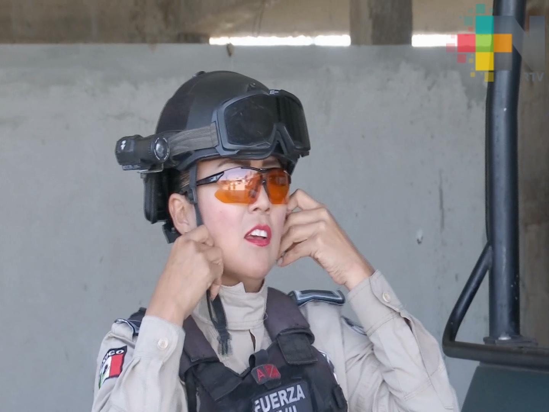 Mujeres policía: fuerza respeto y amistad